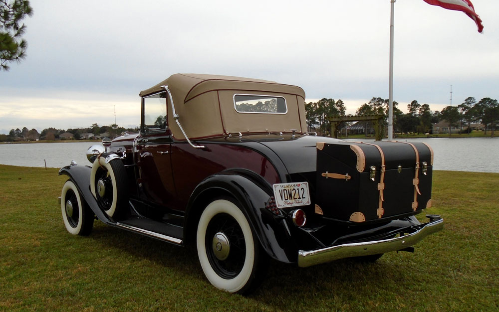 Olds F32 with Rumble Seat and Trunk